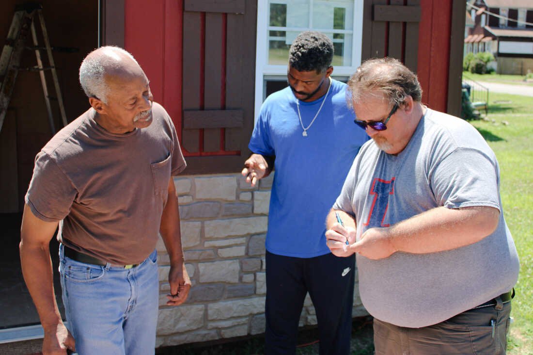 Rural Communities Need A Local Approach To Increase Covid Vaccination Shots Health News Npr 6